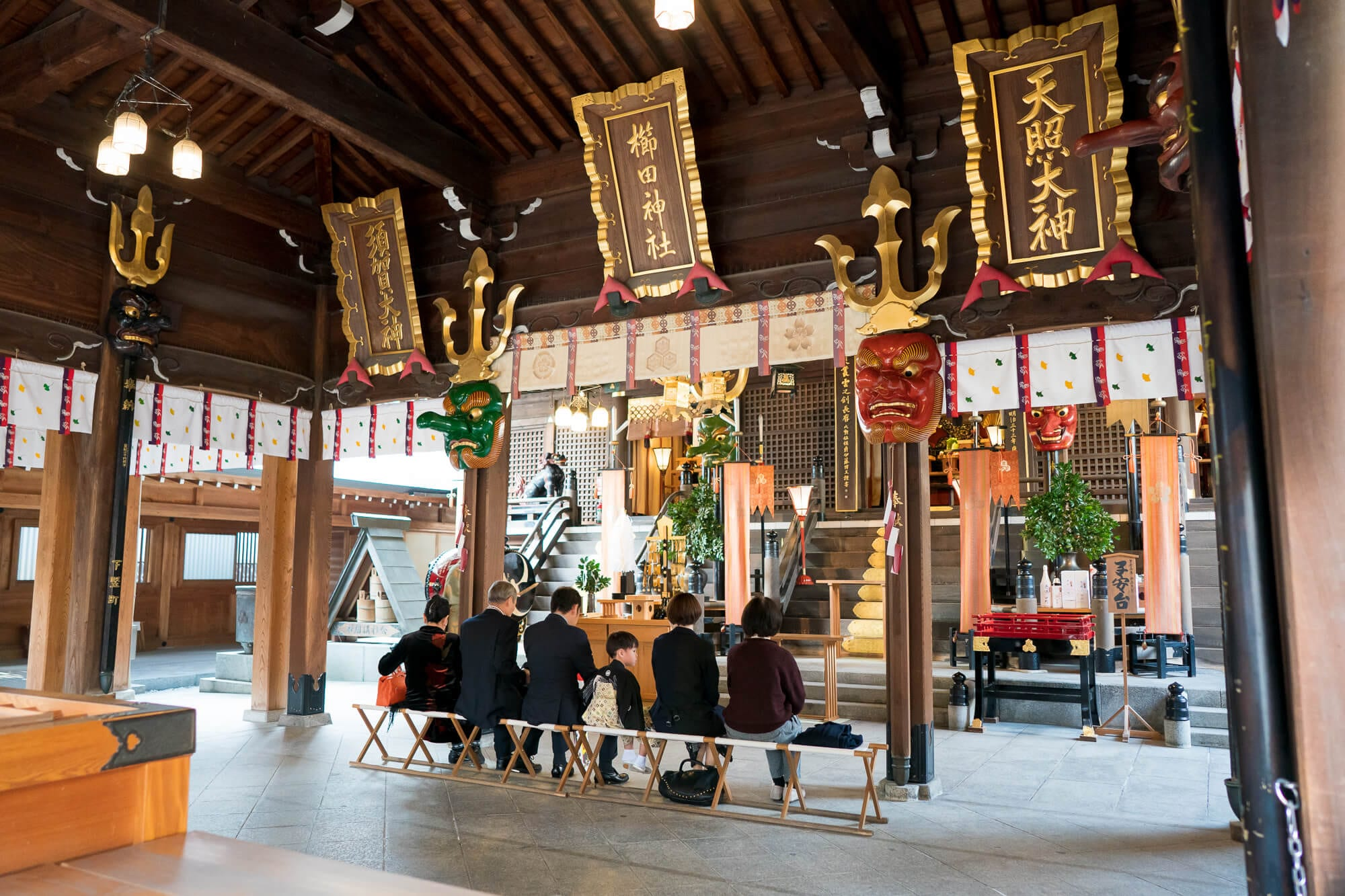 豪華絢爛な櫛田神社の御神殿