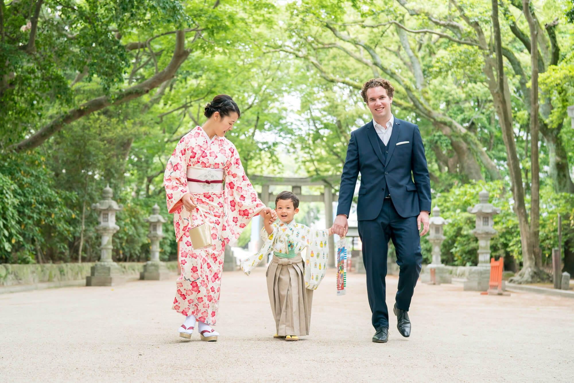 住吉神社 緑に囲まれた表参道