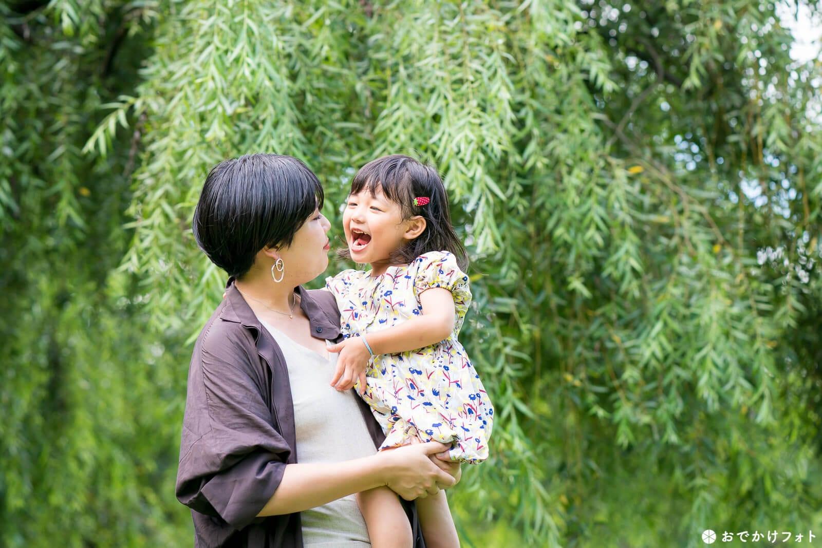 春日公園で4歳誕生日記念の家族写真