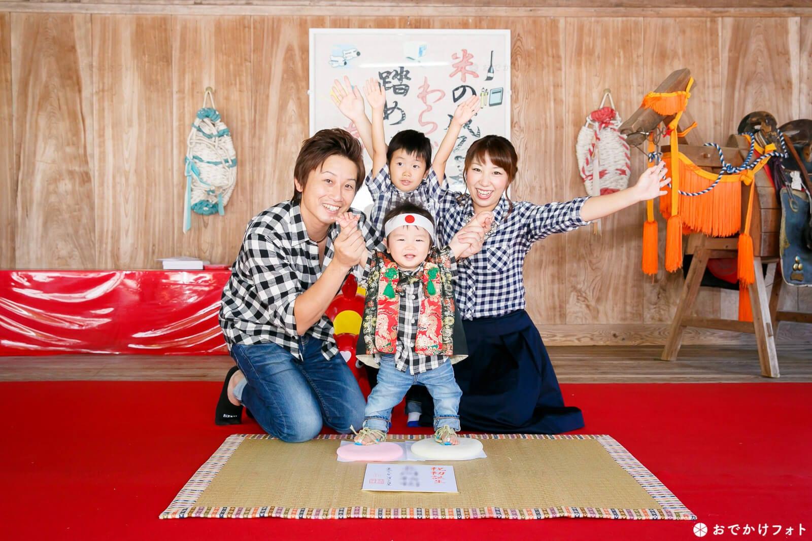 飯盛神社で餅踏み写真の出張撮影