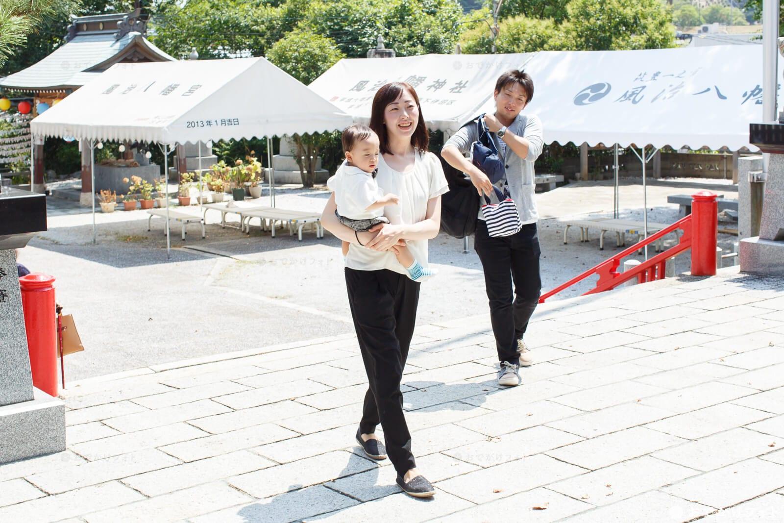 風治八幡宮で餅踏み写真のロケーションフォト出張撮影