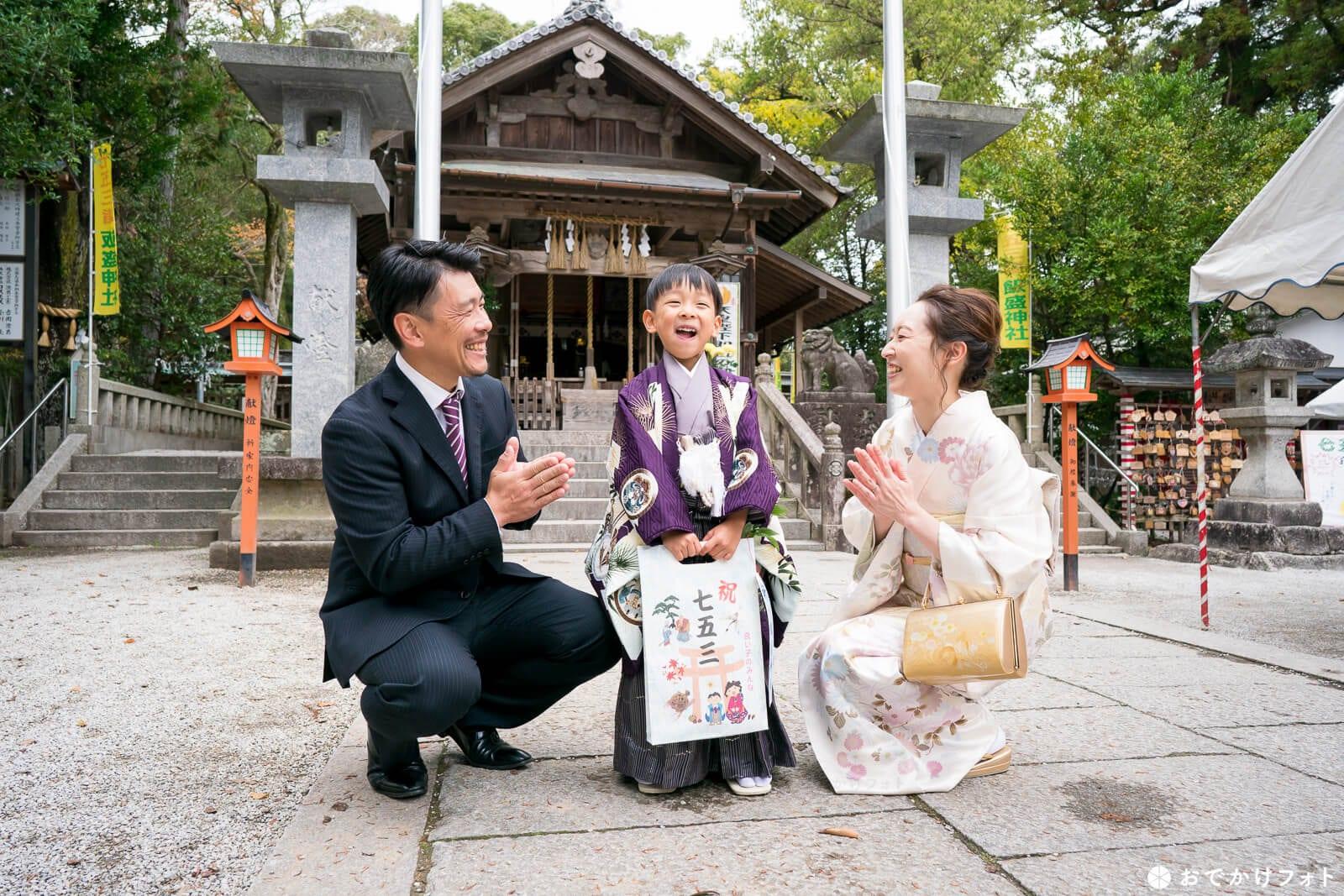 飯盛神社 1歳餅踏み、七五三、お宮参りで人気の神社