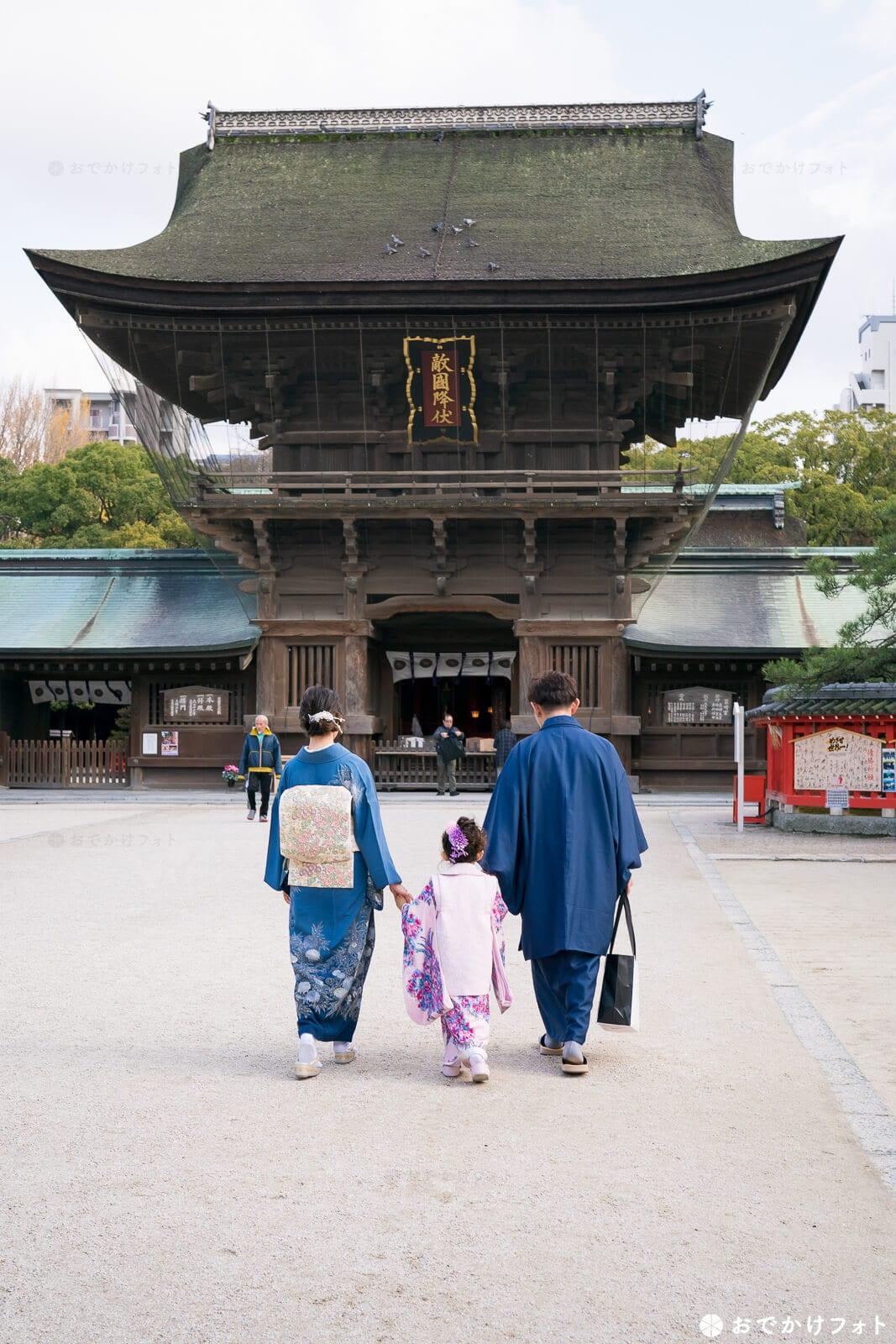 筥崎宮の立派な楼門