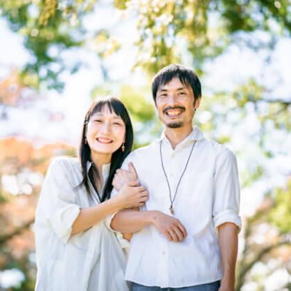 志高湖キャンプ場で結婚10周年の家族写真