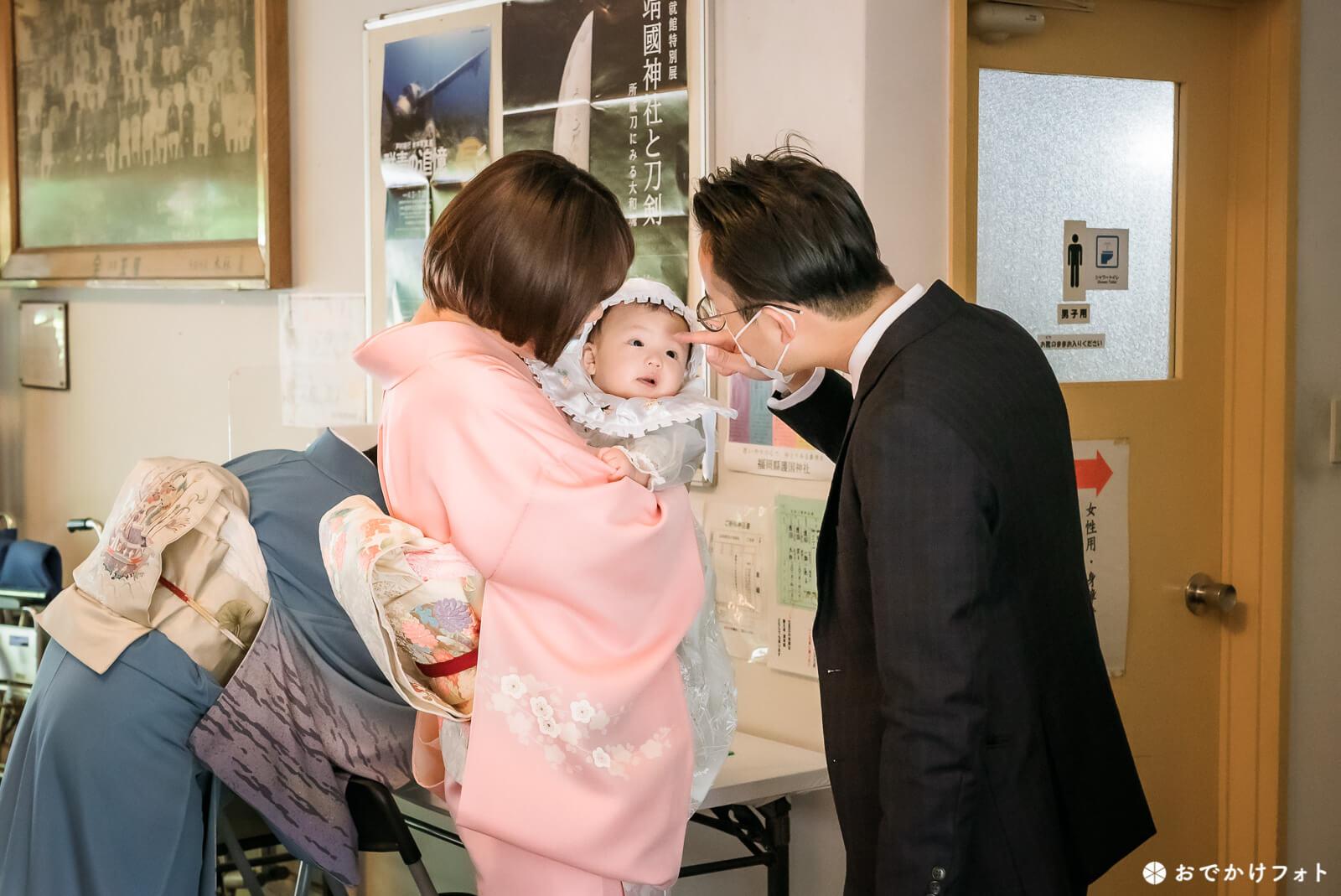 福岡県護国神社でお宮参り写真の出張ロケーション撮影