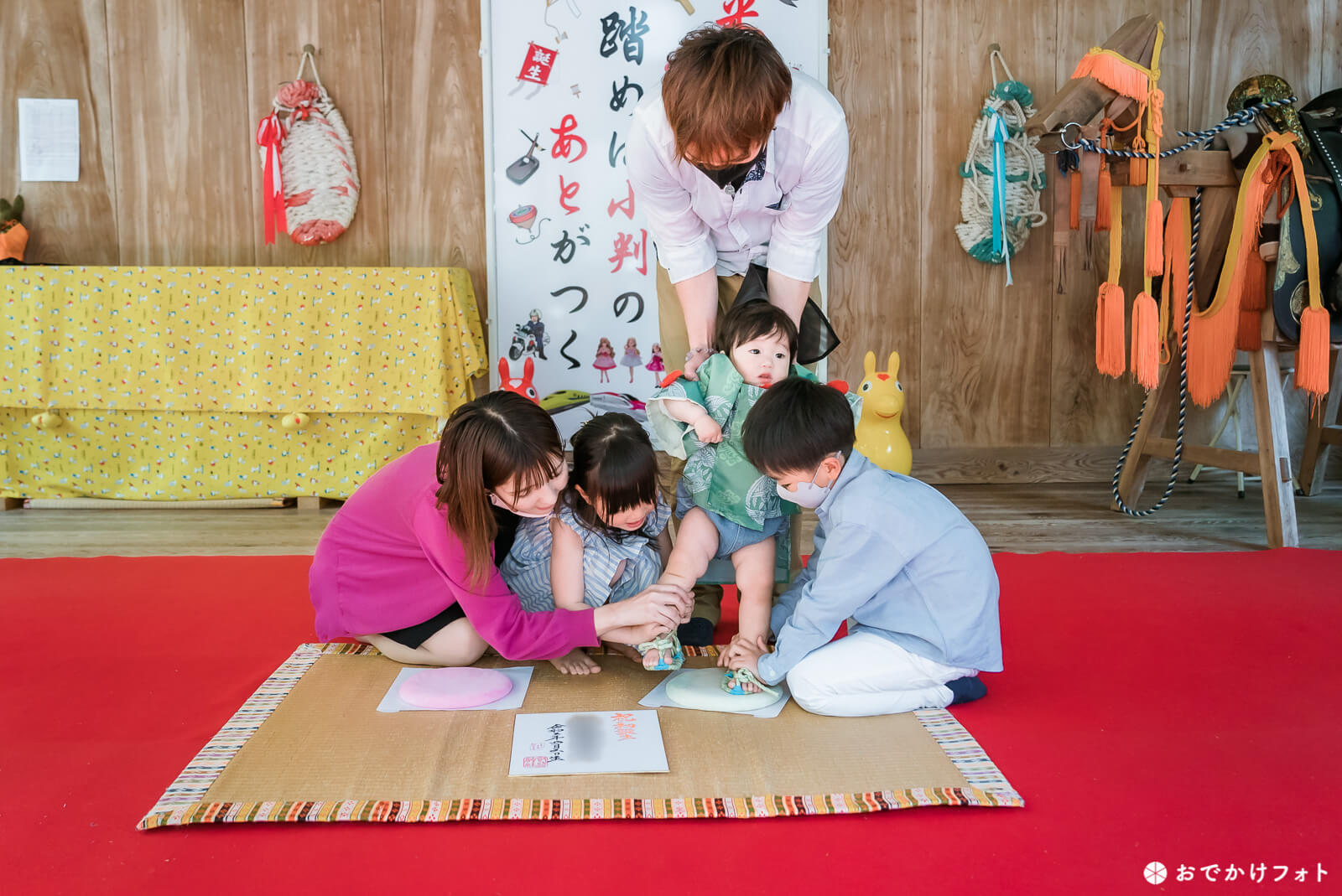飯盛神社で1歳お餅踏みの出張ロケーション撮影