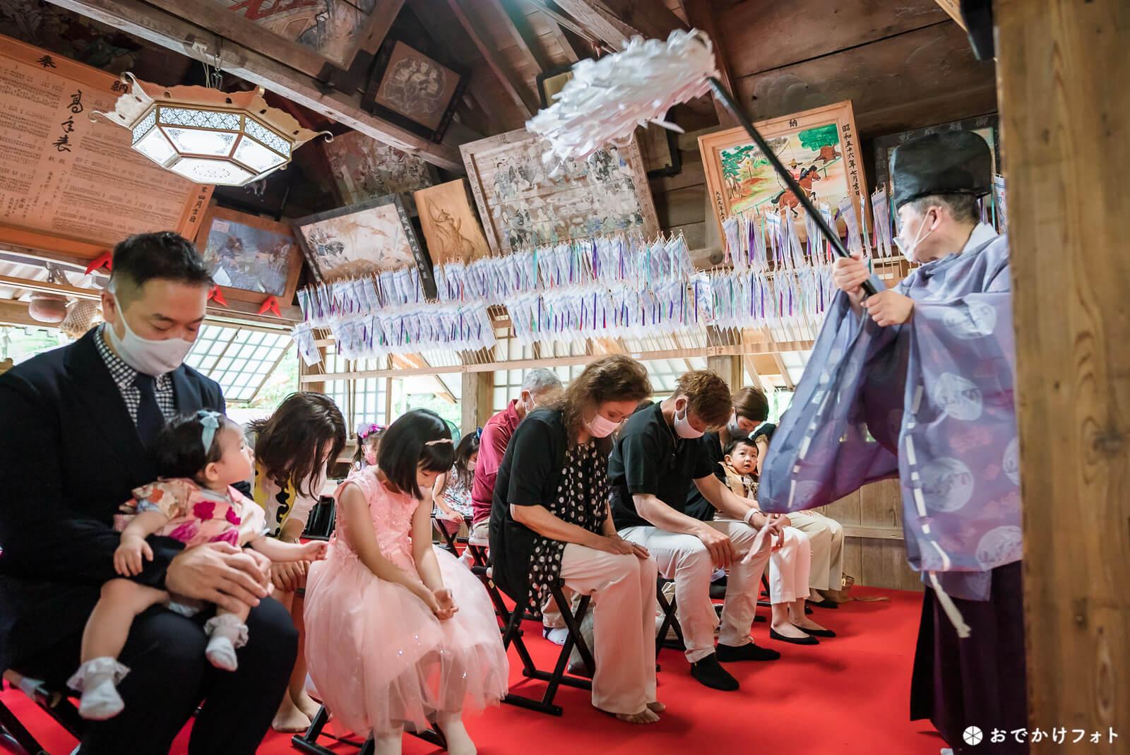 飯盛神社で1歳誕生日のお餅踏み